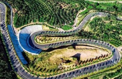 """秦皇岛""""最美公路""""让人看呆了,九曲十八弯,不是老司机不敢上"""