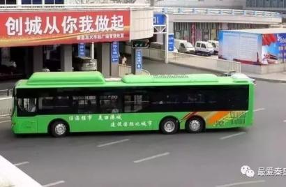 """秦皇岛60辆14米长公交""""巨无霸""""陆续投用"""